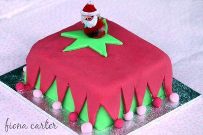 Chirstmas-elf-cake-1a