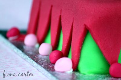 Chirstmas-elf-cake-3a