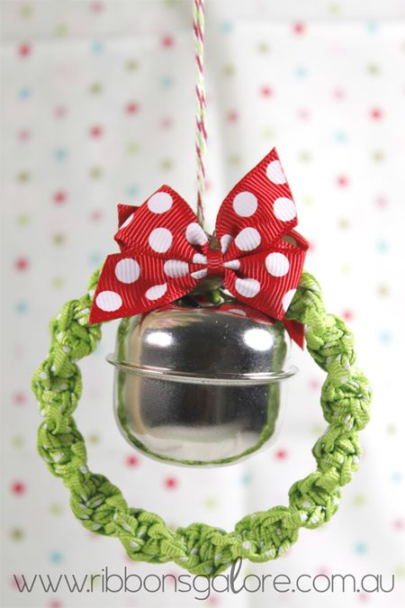 RibbonsGalorexmas-wreath1