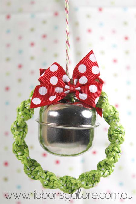RibbonsGalorexmas-wreath1