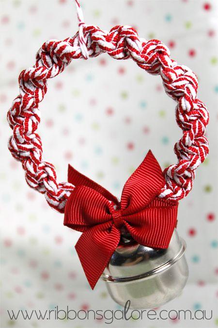 RibbonsGalorexmas-wreath2