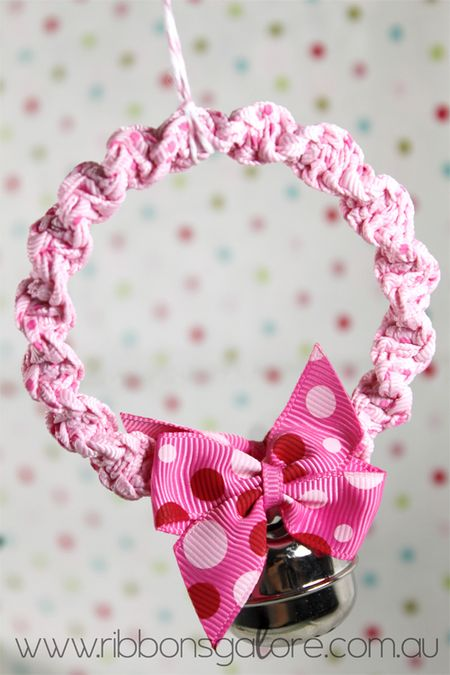 RibbonsGalorexmas-wreath3