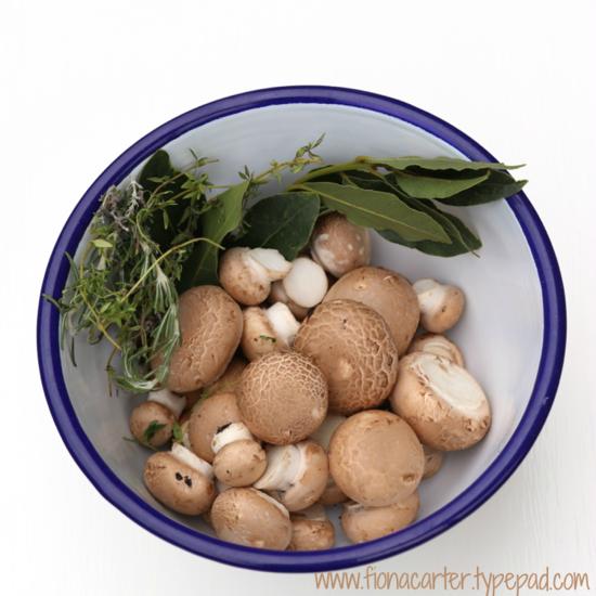 Fiona Carter mushroom bowl