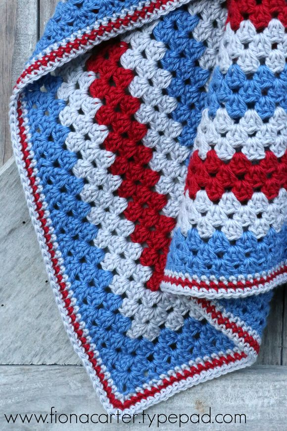 FEC granny sq red-blue 3