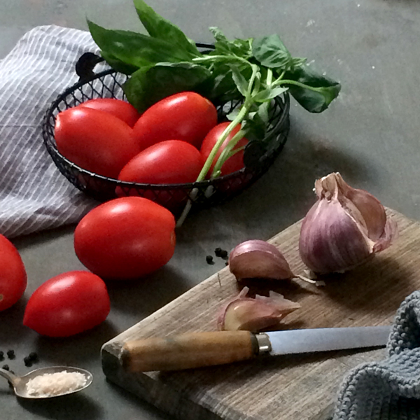 Fiona Carter tomato and basil food styling/photography