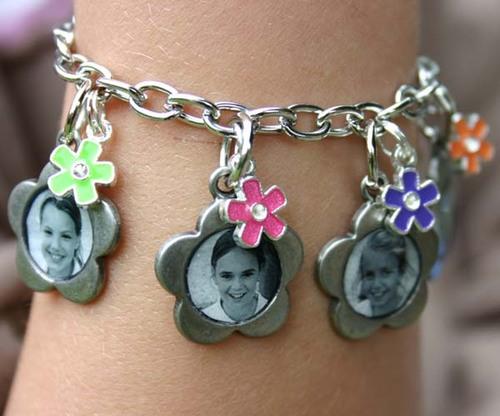 Friends_bracelet