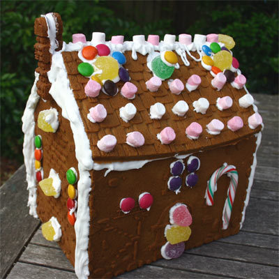 Pccgingerbreadhouse2_1
